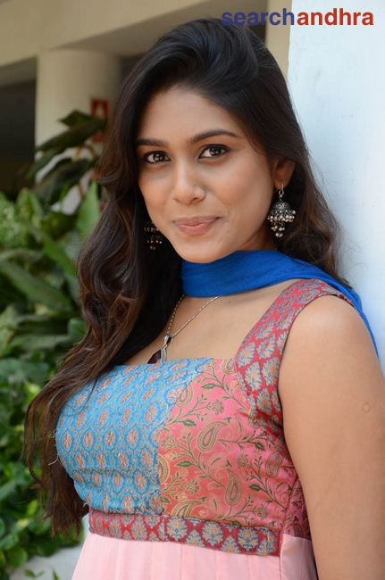 Manisha Yadav 2 Jpg Hd Wallpapers Hd Images Hd Pictures