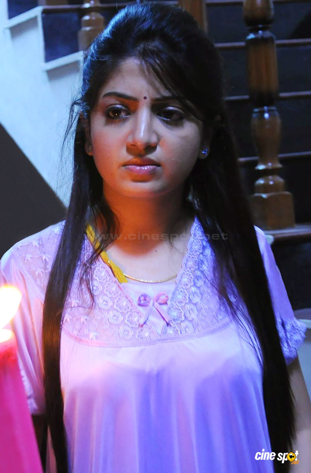 Poonam Kaur Latest Cute Photos 1 Hd Wallpapers Hd Images Hd Pictures