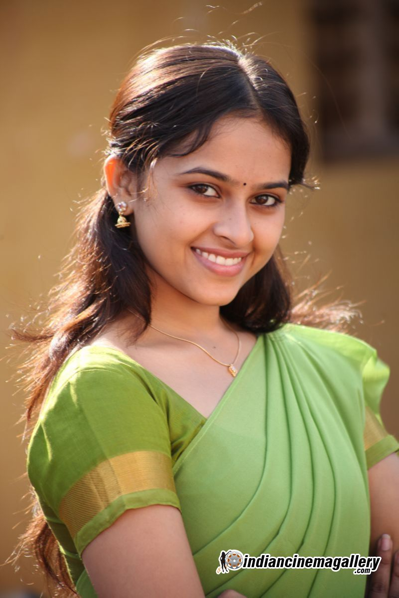Sri Divya  Hd Images And Pictures Picamon-5381