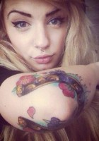 Beauty-blonde-girl-tattoos-5.jpg