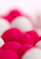 White-and-pink-balls-wallpaper-1.jpg