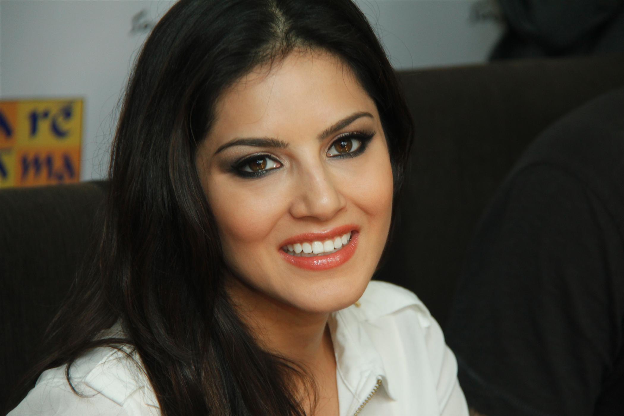 Sunny Leone Img Hd Wallpapers Hd Images Hd Pictures