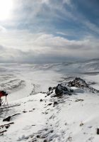 skiers-on-top-of-the_mountain-wallpaper